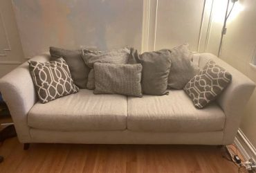 Couch Sofa – Raymour Flannigan – SATURDAY ONLY (Ridgewood, NY)