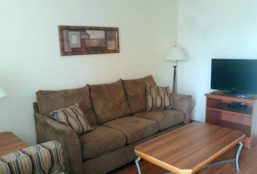 $70 / 80ft2 – Sofábed in living room for rent for young guy needing a place to stay (North Houston)