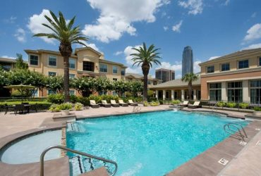 $685 / 1100ft2 – PRIVATE BEDROOM – All bills paid in luxury apt complex (Houston – galleria area)
