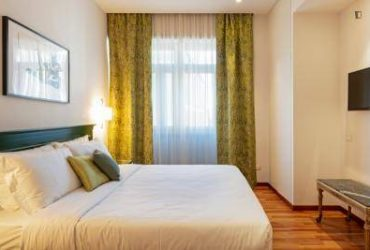 $360 / 695ft2 – Don't miss this opportunity – renting a large perfect bedroom!