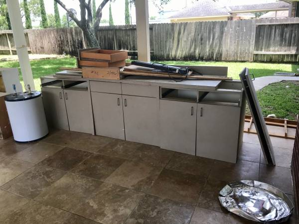 Work bench/cabinets