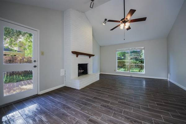$1650 / 3br – 1600ft2 – GORGEOUS LIGHT&BRIGHT SINGLE STORY READY FOR MOVE IN (KATY)