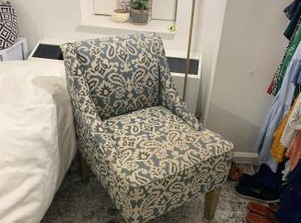 Free Accent chair!! (Financial District)