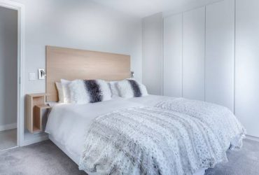 $360 / 750ft2 – Luxurious living with happy female – Need roommate!