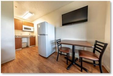 $260 $260 per week Move In Special!All Bills Paid!Weekly Payments Accepted (Irving)