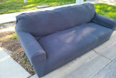 Curb alert – full size couch