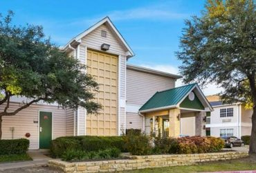 $270 $270 per week Move In Special!All Bills Paid! Weekly Payments Accepted (North Addison)