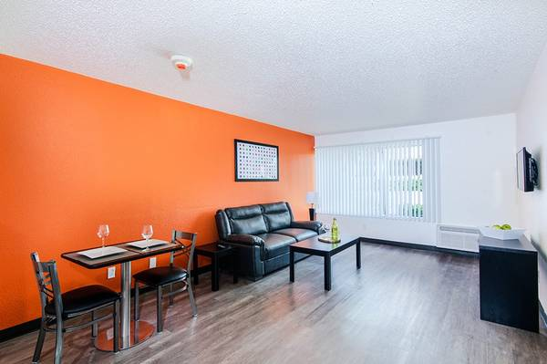 $259 / 1br – On-Site Management, Close to Freeway, Package Receiving