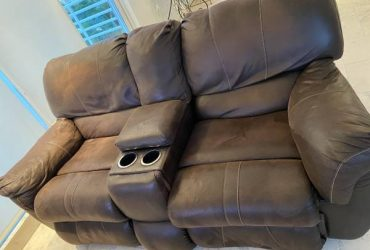 FREE Sofa recliner (Fort Lauderdale)