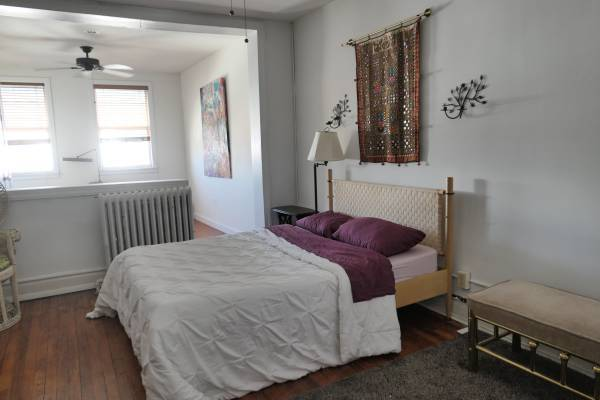 $345 / 700ft2 – Rent this room, Need Roommate..!**