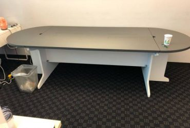 FREE Confrence table perfect condition.