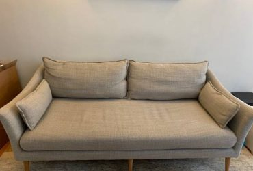Gray couch in great condition (Park Slope)