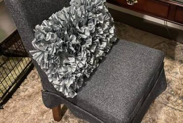 Free Desk Chair with Pillow (Med Center)