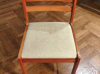 Three free chairs! (Upper East Side)