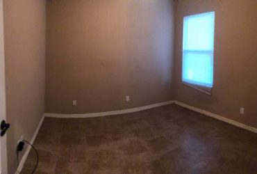 $550 Looking for roommate (girls only) (El Paso by ascarate)