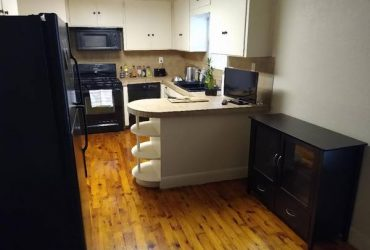 $550 $550 Room in Sunlit Bungalow. *Large Kitchen* (Crestview Austin)