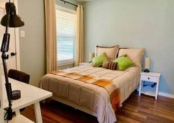 $365 Available Furnished room with attached bathroom
