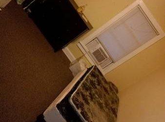 $750 Furnished room (Portage park)