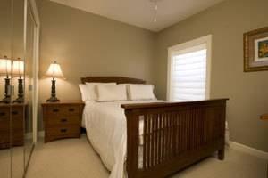 $650 $700 Private Room + Bathroom in 3Bdrm 2 Bath Apartment (Hyde Park)