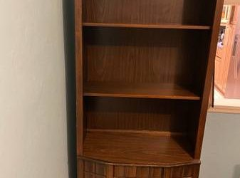 Dining hutch with shelves (Hollywood)