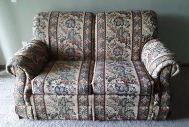 Free 2 seat Sofa (Altamonte Springs, FL)