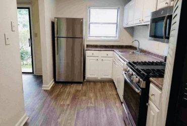 $1265 / 2br – 1350ft2 – >>>>>>Beautifully Renovated!! COME TOUR YOUR NEW HOME!