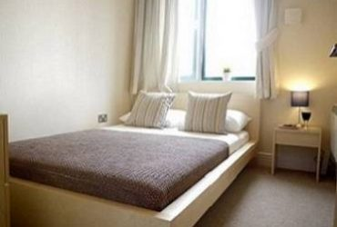$380 Great Room, Location and Living Situation (37 Warren Street)