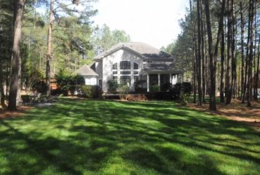 $1750 / 3700ft2 – RoomMate Wanted Executive Home Falls Lake (Raleigh)