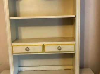Girls hutch for top of dresser (Malverne)