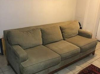 Free couch, 1 owner, good condition (Bedstuy)