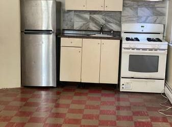 $1200 / 900ft2 – Big studio for rent (Bergen beach)