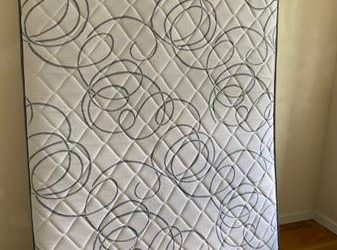 Full-size mattress, drill, electric screwdriver, champagne glass, etc (Harlem / Morningside)