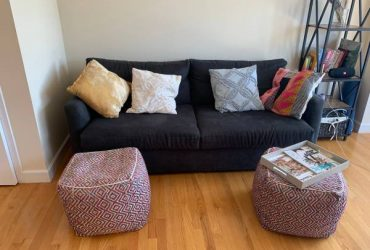 Comfortable and stylish navy couch (Gowanus)