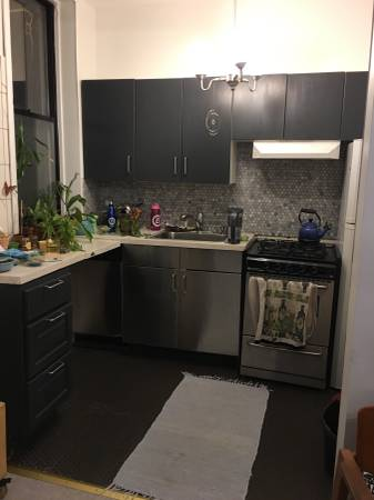 $1500 Cute room & best location. Super nice & clean. Washer/dryer. New bed! (Carroll gardens)