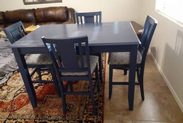 Dining table 4 chairs Free (South florida)