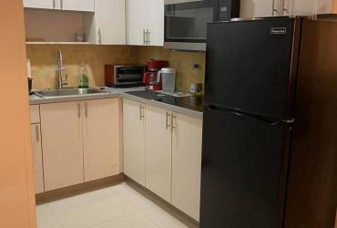$550 Room Available 2730 Collins (Miami)