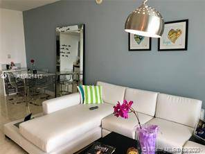 $2800 / 2br – 1250ft2 – $1900 / 1br – 720ft2 – *Ivy at Riverfront Brickell/Downtown* LARGE 1/1 (IVY BRICKELL)