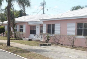 $2300 / 5br – 2808ft2 – Large single family home Minutes from city place, located few blocks. (West Palm Beach, FL)