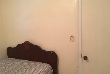 $725 / 200ft2 – One room ALL utilities included (4200 1st Ave N St Petersburg FL)