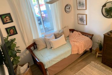 $650 Furnished Room Available (Women Only) (Miami Gardens)