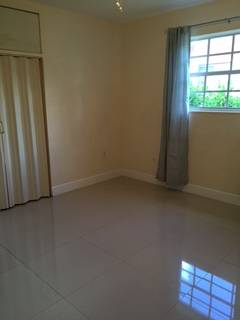 $600 FEMALES ONLY ROOM IN HOLLYWOOD (HOLLYWOOD)