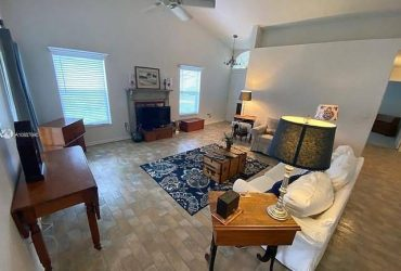 $825 / 2br – 1185ft2 – 20th Ln, For Rent to Own Home & Interior Design (Homestead, FL)
