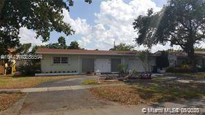 $3100 / 3br – Beautiful home in wonderful Miami Springs with screened patio and pool (1140 Redbird Ave)