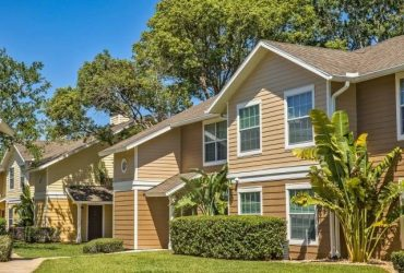 $1380 / 2br – 1106ft2 – Billiards Table, Tennis Court, Screened Patios