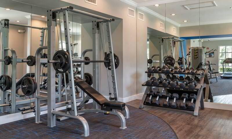 $1806 / 2br – 970ft2 – Wood Flooring Finish Available, Spacious Closet(s), Sundecks (Pembroke Pines)