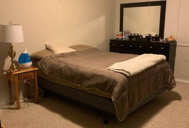 $380 / 675ft2 – Large empty master bedroom with private bathroom!