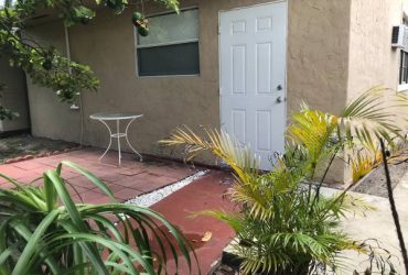$800 Efficiency for Rent (SE Hialeah)