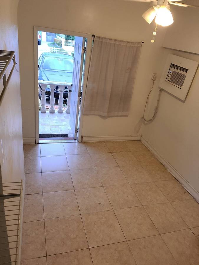 $800 / 1br – EFFICIENCY PRIVATE ENTRANCE – AVAILABLE NOW! (Miami)