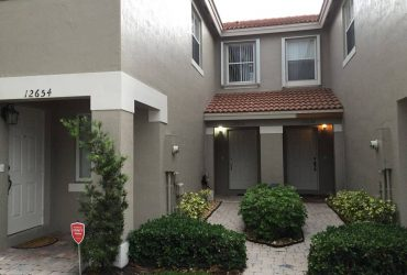 $750 Room for rent long term (utilities included) (Miramar)
