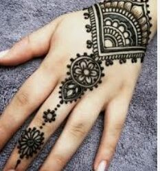 Henna tattoo artist (clearwater and Madeira Beach)